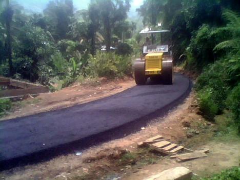 Pengaspalan Jalan Desa Koto Alam